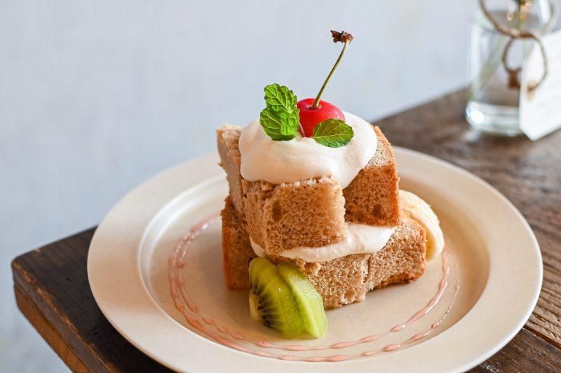 オモテナシャモジのロイヤルミルクティーのシフォンケーキ